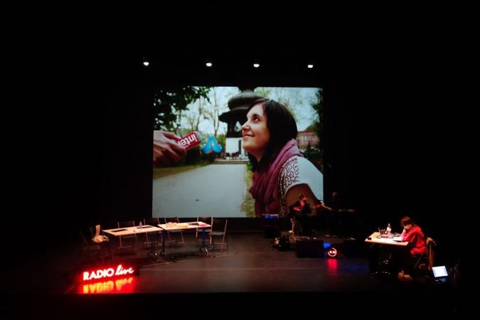 «Radio Live» : une nouvelle génération de documentaires radio sur scène