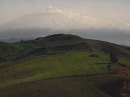 «Nul homme n'est une île» : Une convergence du désir d'agir qui brise toutes les frontières