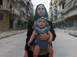 «Pour Sama» : Waad Al-Kateab adresse un document bouleversant à sa fille et au monde